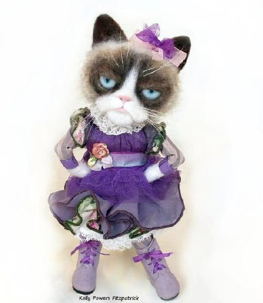 Artist: Kelly Powers Fitzpatrick - Needle Felted Grumpy Cat Doll, #grumpycat